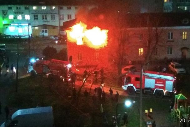 В Отрадном пожар в квартире тушили 25 спасателей