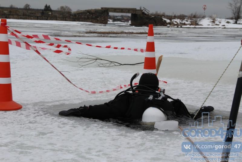 Условно тонущих во льдах реально спасали на Новоладожском канале