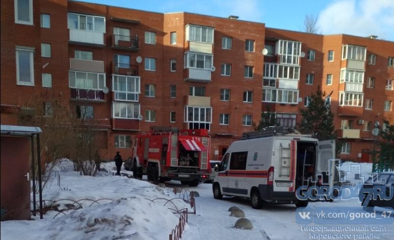 После пожара в пятиэтажке в Шлиссельбурге погиб подросток