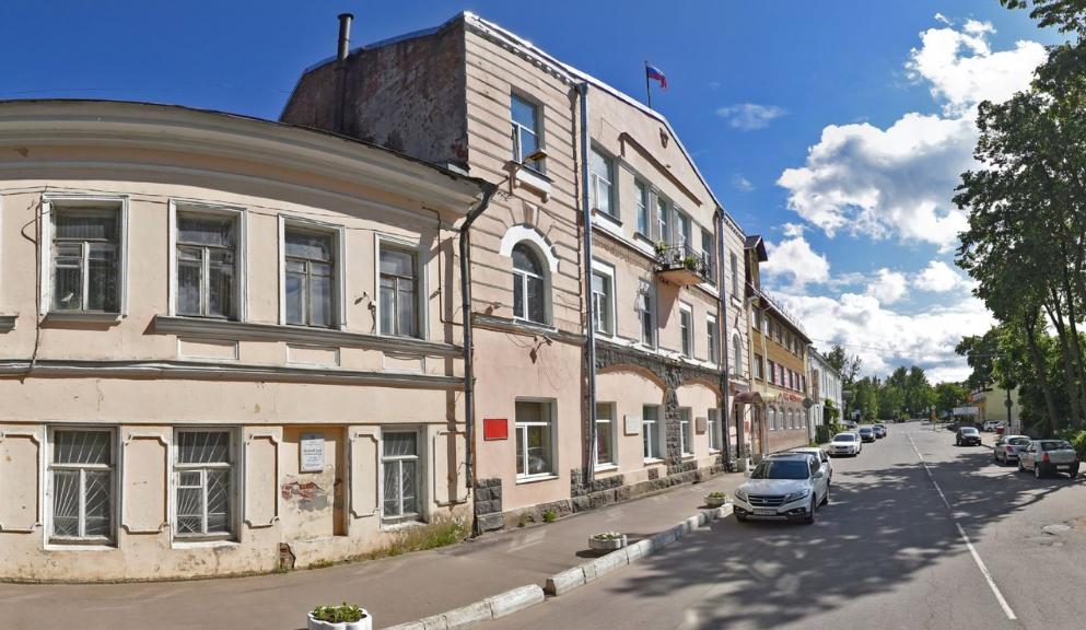 Парламент в Шлиссельбурге Кировского района Ленинградской области, где в прошлом году коммунисты победили единороссов, официально распущен из за отсутствия единоросов среди них