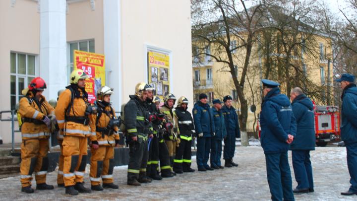 Учение в здании дворца культуры города Кировска