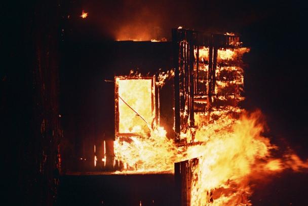 В Назии после поножовщины случился пожар: погиб мужчина, ранена и обгорела женщина