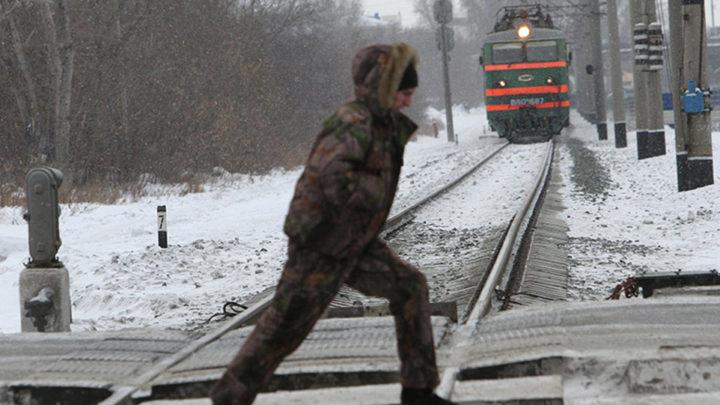 В Жихарево поезд отрезал студенту ногу.