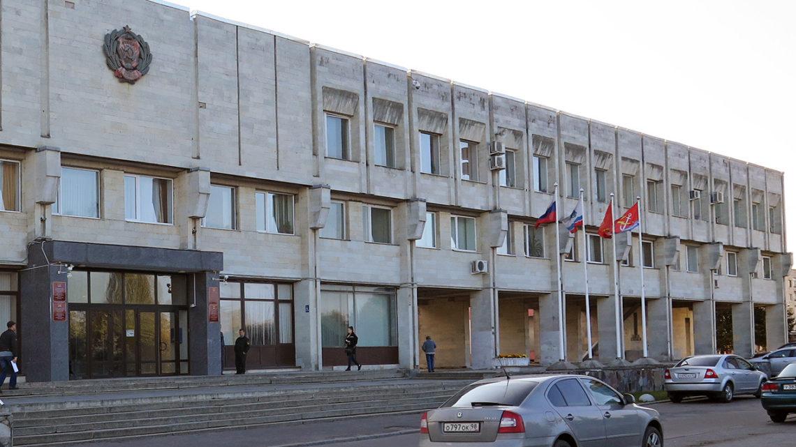Администрация отбирает гараж у жительницы Кировска